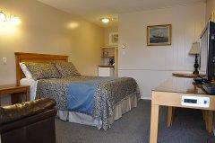 Regular Room with 1 Queen Bed