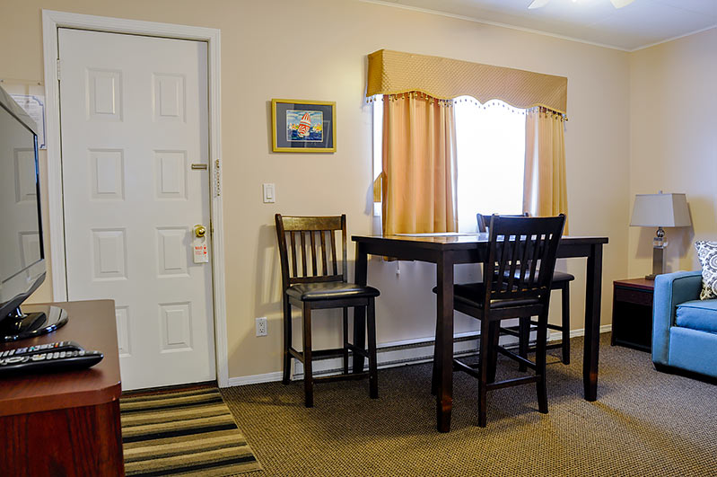 Rosedale Motel in Summerland BC One Bedroom Cottage